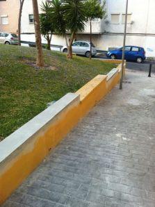 Reparación de muretes en la plaza de Pastor de Filida en Cortijillo Bazán